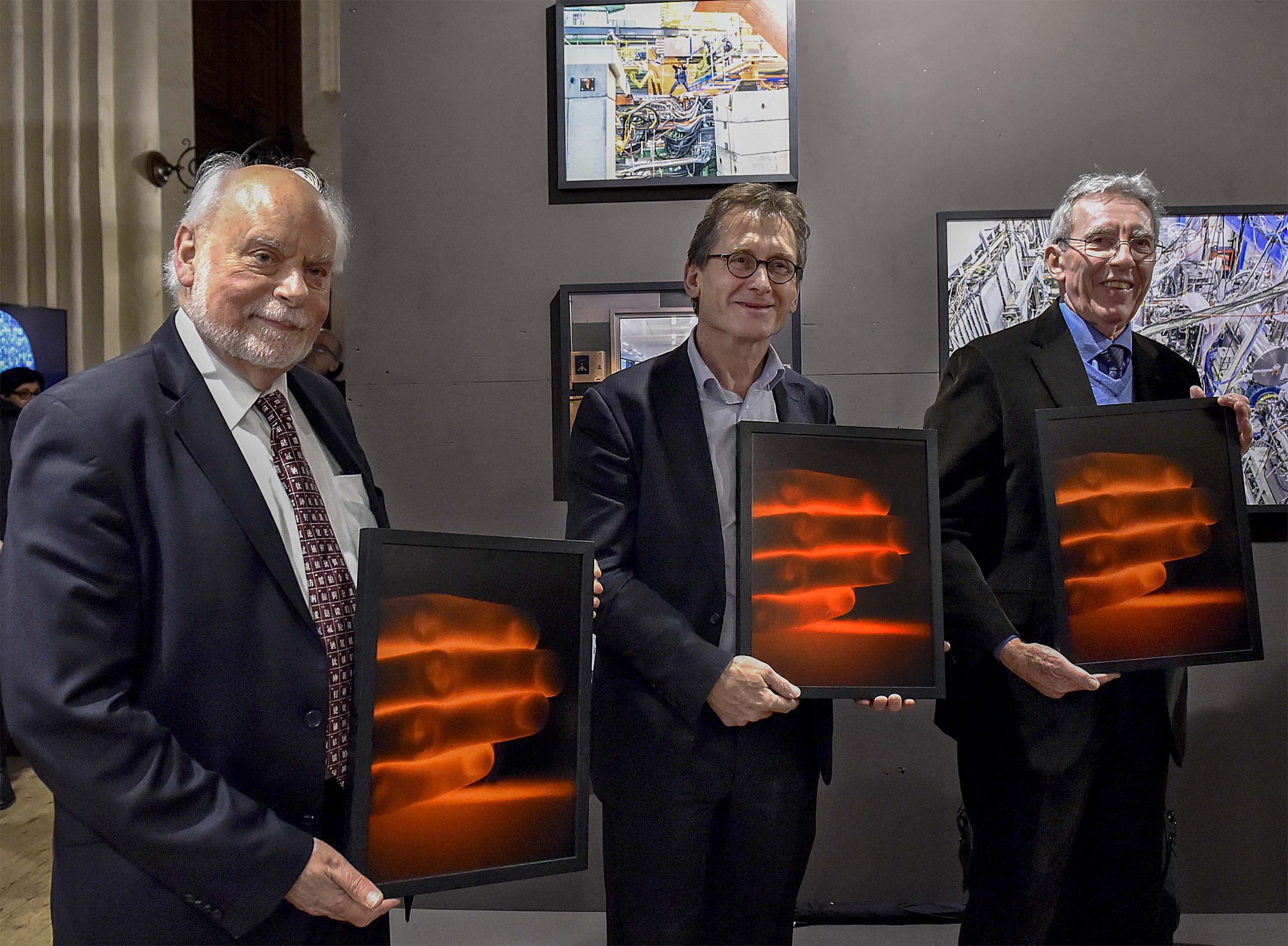 The 3 Nobel Prize Winners received a photo from the Playground project