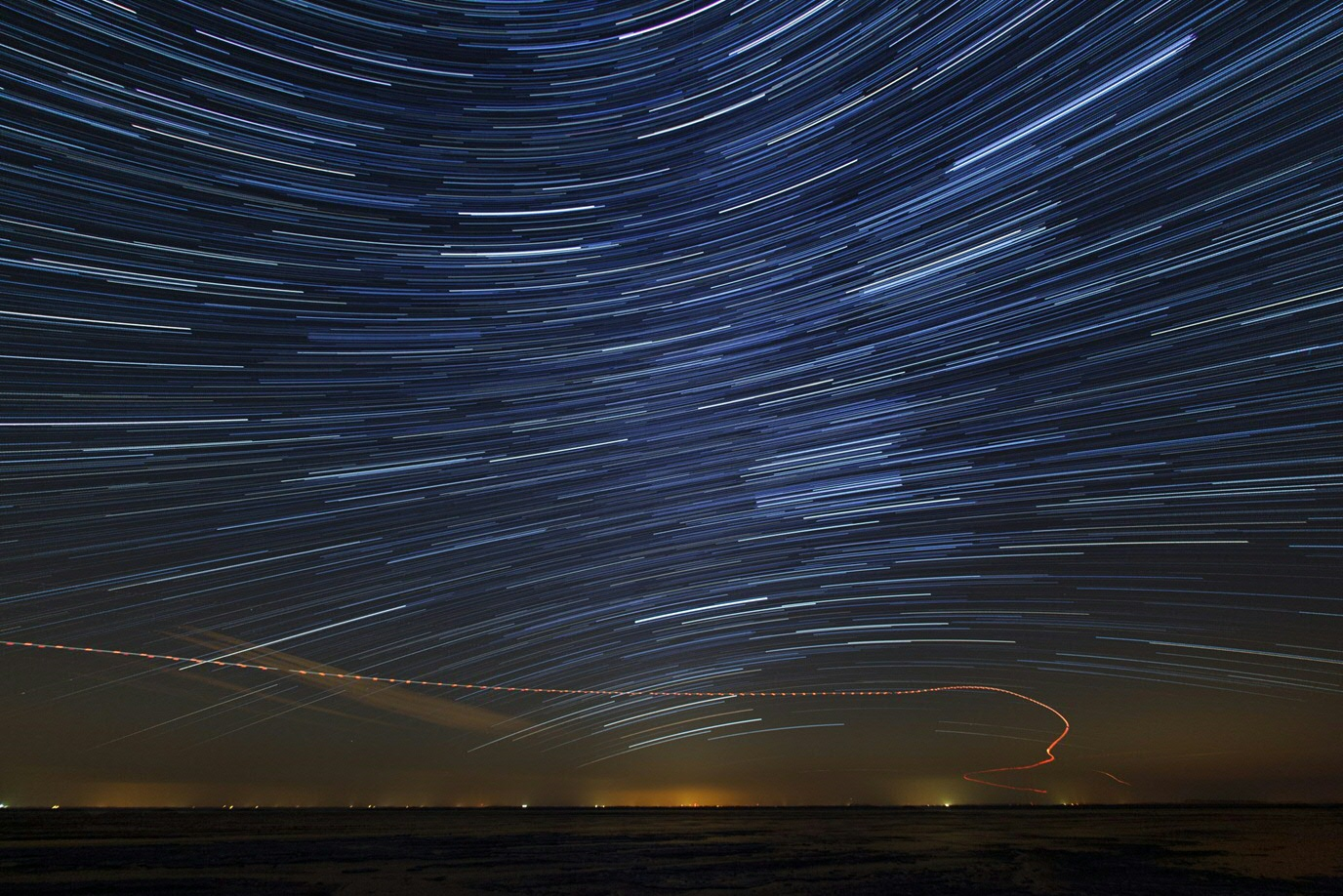 Ameland star trails and helicopter track (Photo by Johan van der Wielen)