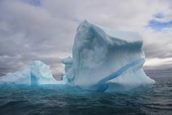 Floe in Greenland image credit Beluga Adventure