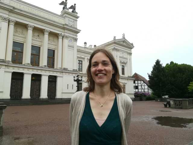 Jutta Bolt is Assistant Professor at the Faculty of Economics and Business.