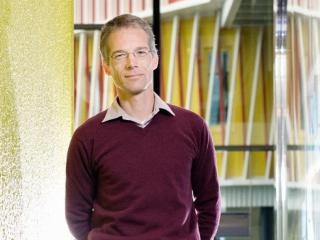 Marcel Timmer is professor at the University of Groningen and director of the Groningen Growth and Development Centre