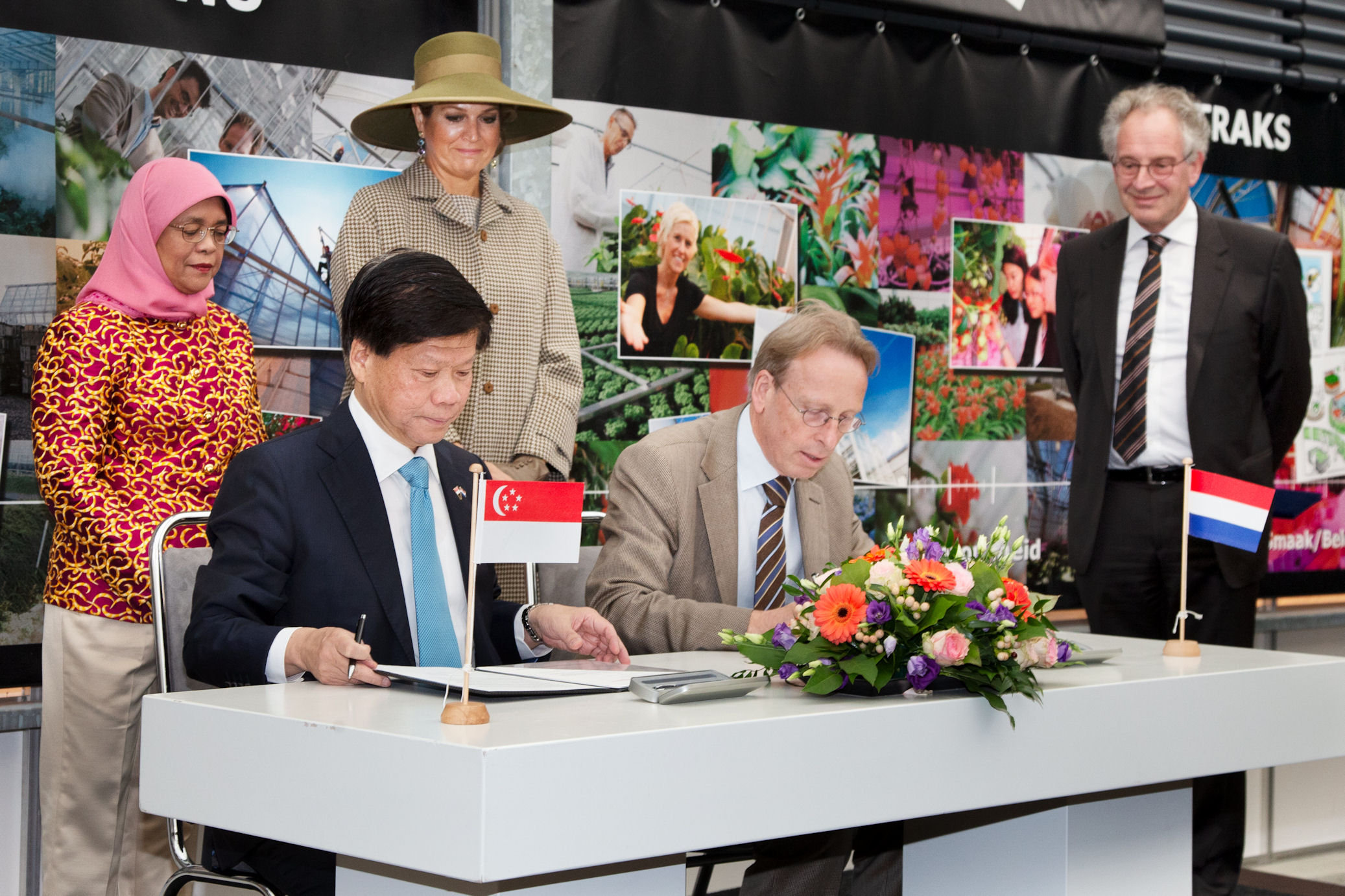 Signing witnessed by Singapore's President Halimah Yacob and Queen Máxima
