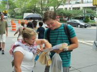 Lisa Ziemann and Coen Nij Bijvank explore New York City during their semester in the United States