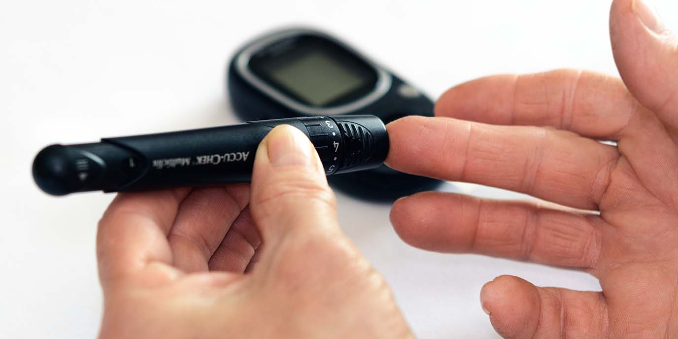 Higher risk of diabetes among lower educated people despite a healthy diet