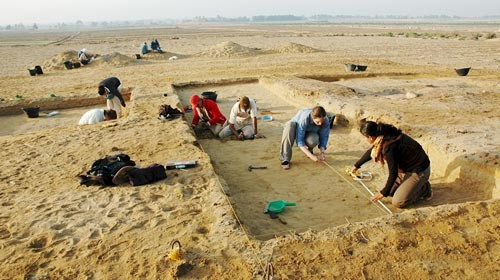 Excavating in the Fayyum