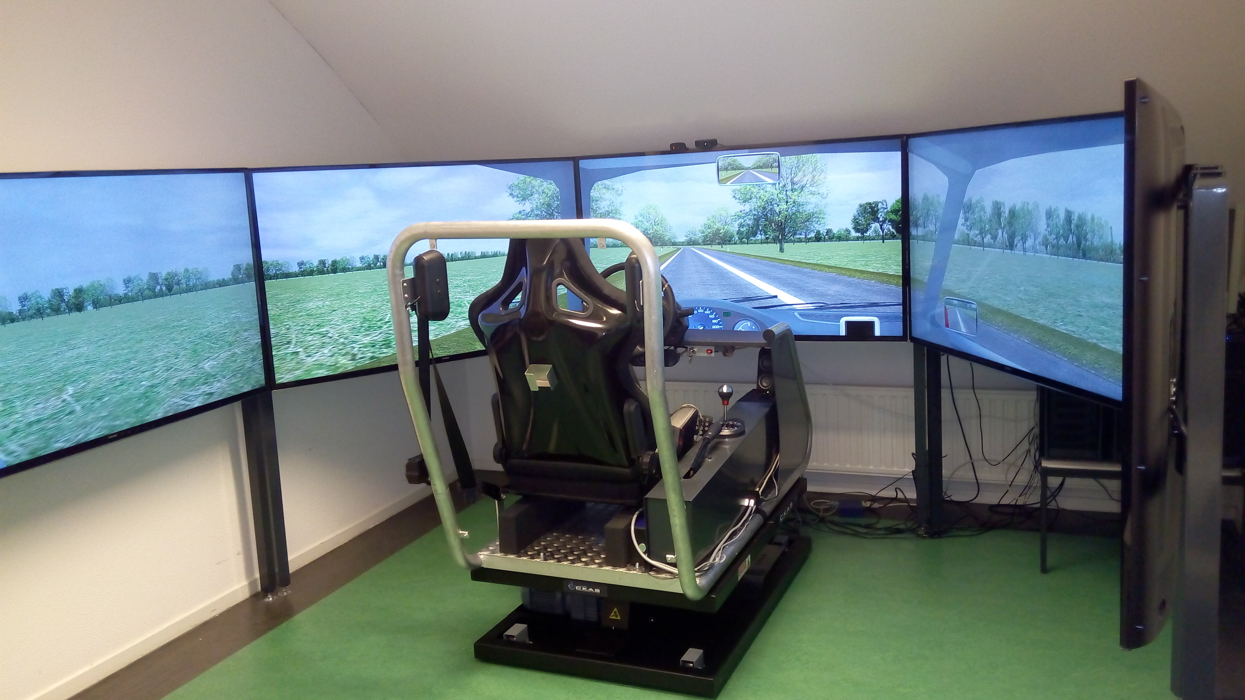 Our new (since September 2016) driving simulator A with five large screens and ... a moving base