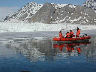 Wetenschappers van de RUG onderzoeken de invloed van gletsjerwater op het mariene systeem