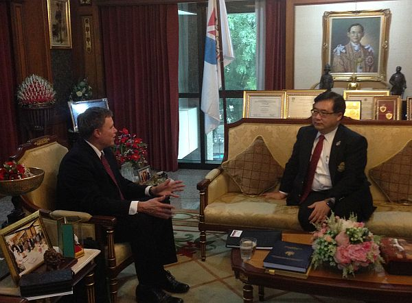 Meeting with the President of Siam University, Dr. Pornchai Mongkhonvanit