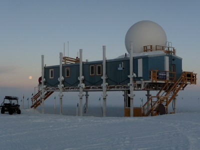 Main building of the Summit research station | Photo Harro Meijer