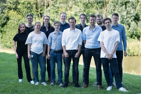 iGEM team 2018, with Rianne Prins: back row, third from the left; Jens Schpers, back row, right hand side  | Photo iGEM team 2018