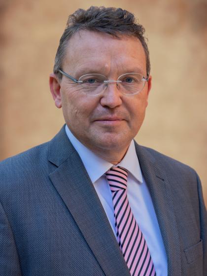prof. dr. J. (Jouke) de Vries